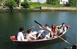 A TKTTKE boat Courtesyo f Gowanus Studio Spae.