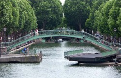 Waiting for you: a summer home-swap in Paris