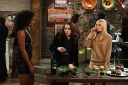 2 Broke Girls episode 9 recap: Herpes and more knit hats