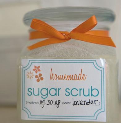 Brokelyn holiday gift guide: pinterest sugar scrub.