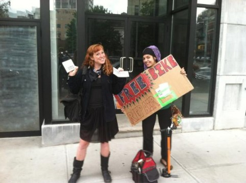 Occupy bike seat: OWS now offering free mobile bicycle repairs