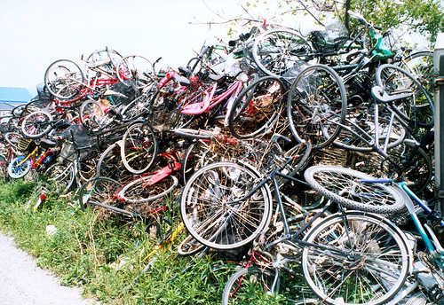 Craigslist freebie of the day: 35 crates of bike parts