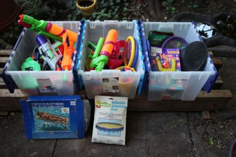 Craigslist freebie of the day: Endless summer supplies