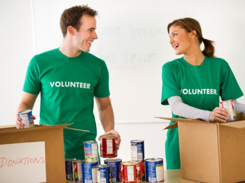 For Sandy volunteers, love blossoms amid the canned goods