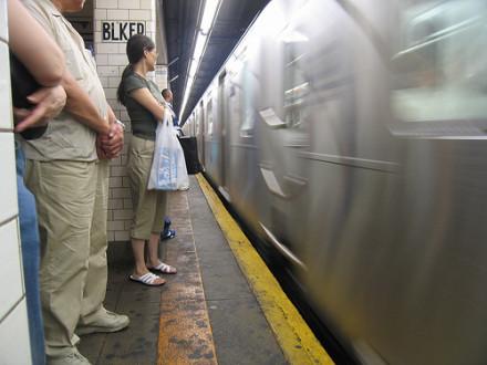 Subway hack: Gum-shoe detecting where the doors will open