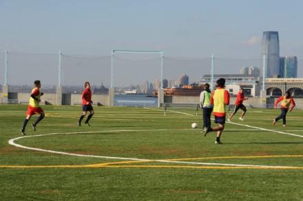 Kick it: Brooklyn Bridge Park soccer league now open for registration