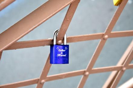 Love lock on the Brooklyn Bridge. via Flickr user Susanne Davidson
