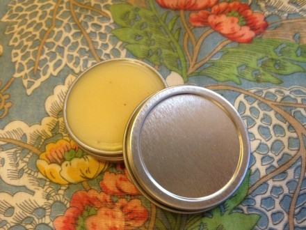 The Brokelyn guide to making your own lip balm