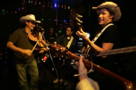 Hit up a Hootenanny and 12 other free ways to hang this week