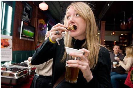 Get a free taste of the best wings in Brooklyn next week at Red Star Bar