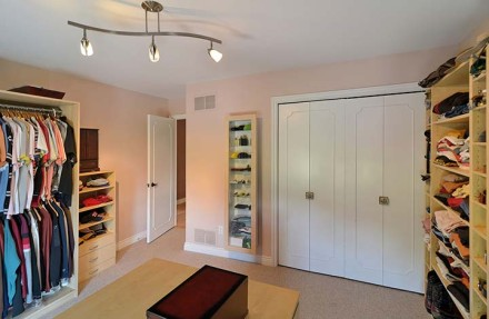 Sublet Idea Rent One Of Your Rooms Out As A Closet For A