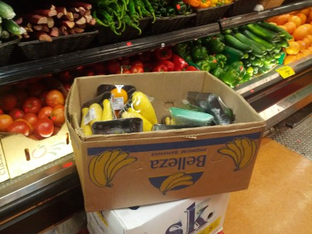 A guide to grocery store discount produce bins