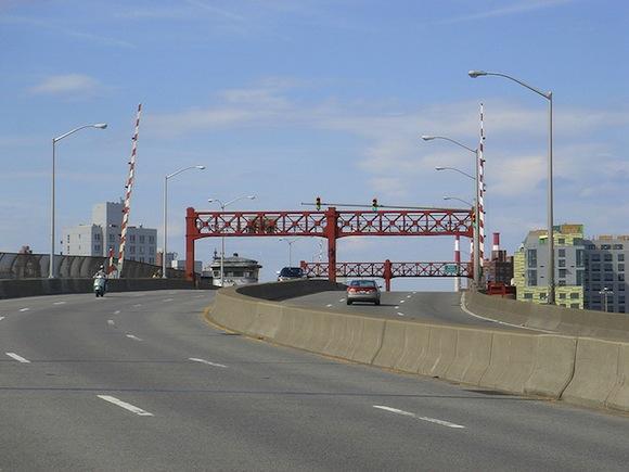 Pulaski Bridge bike lane might get finished this year