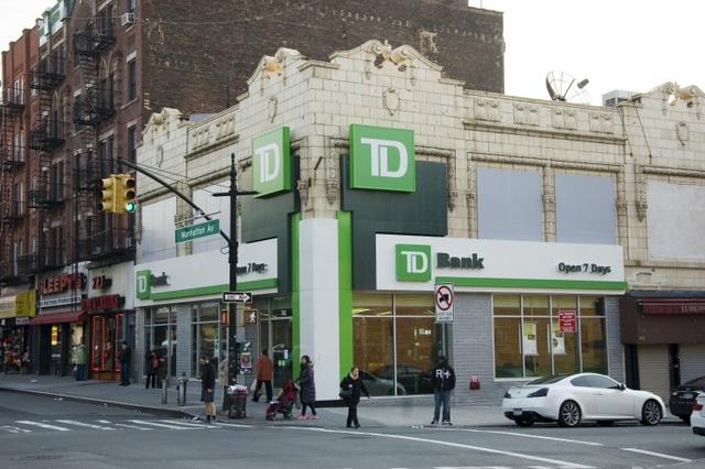 Greenpoint-TD Bank-HSBC-Manhattan Avenue-NYC_1