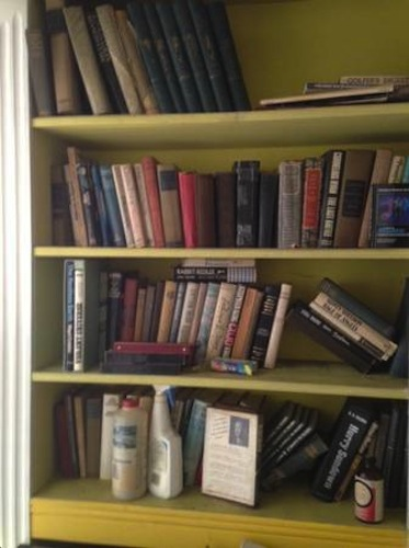 Start your own Mellow Pages with these 1000 free books in Midwood