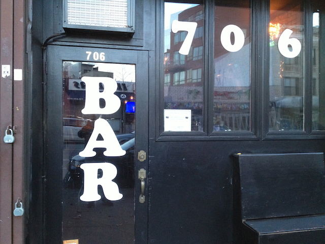 Bars We Love: Count on 706 Bar!