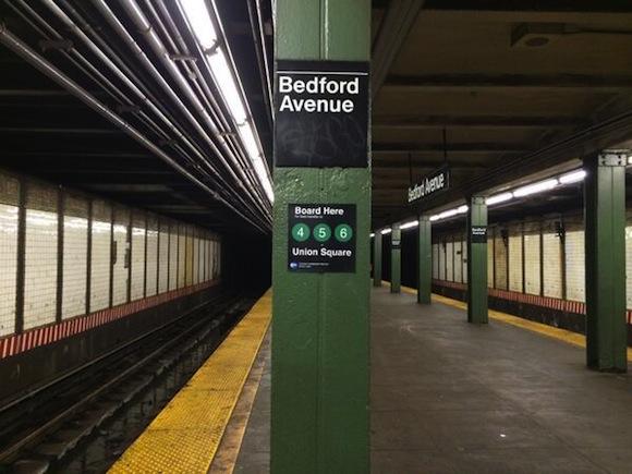 Rogue subway signs give away subway transfer secrets