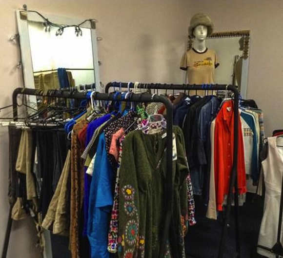 Bay Ridge vintage shop will give entire store to a non-profit that asks