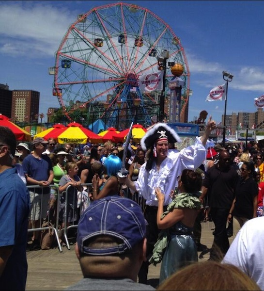 Pirate de Blasio and the rest of the cast of the 2014 Mermaid Parade
