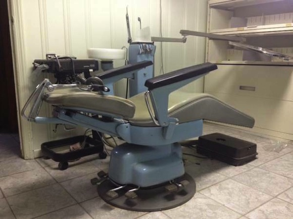 Craigslist freebie of the day: Relive dentist office nightmares with your new free vintage dentist chair