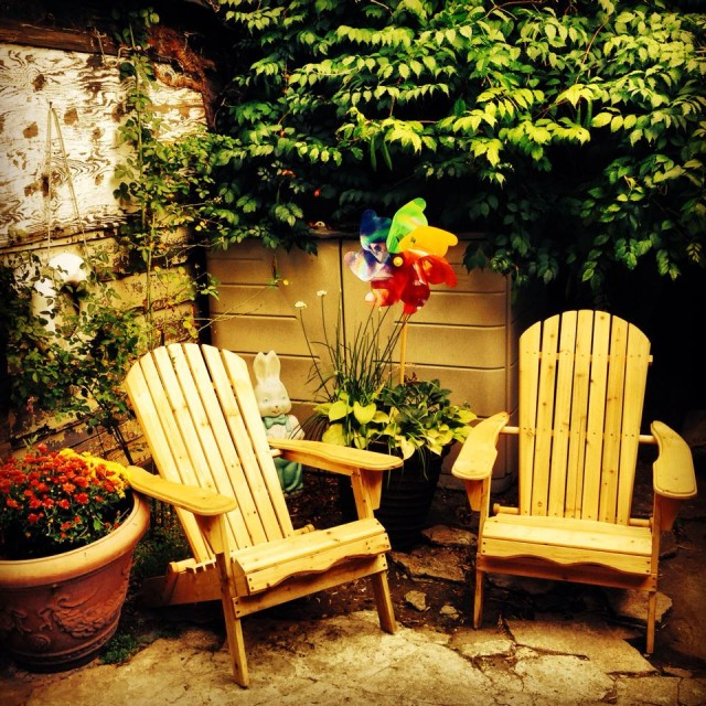 Sunny's, the best little bar in Brooklyn, holds one of the cutest little backyards. Via Facebook.