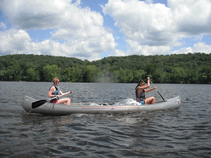 summer-camp-for-adults-kayaking