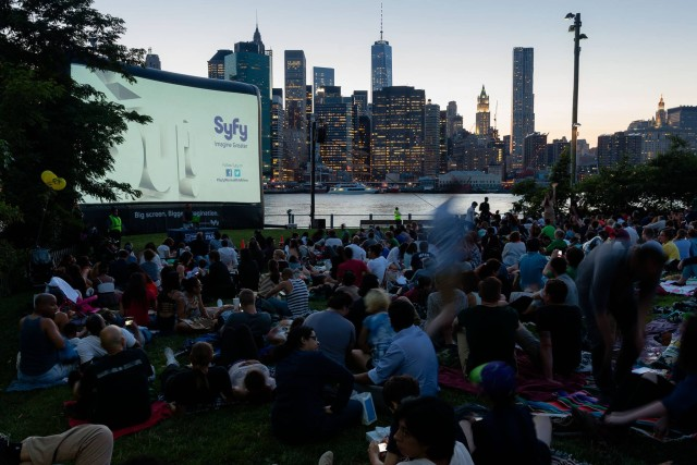 Finally, Movies With A View has come BACK to Brooklyn Bridge Park. Photo by Etienne Frossard, via Facebook