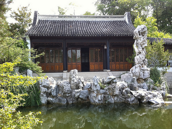 You think the Chinese Garden in the Brooklyn Botanical Garden is something? Image via Flickr user Rklopfer