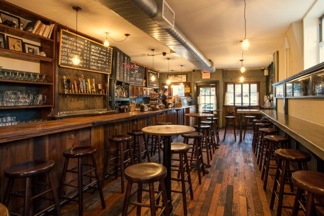 14 Brooklyn bars with wifi that can double as your home office