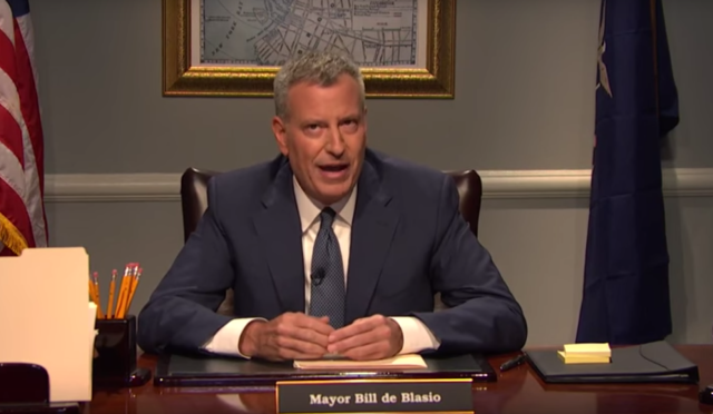 Bill de Blasio threatens to rip the arms off of rude subway riders