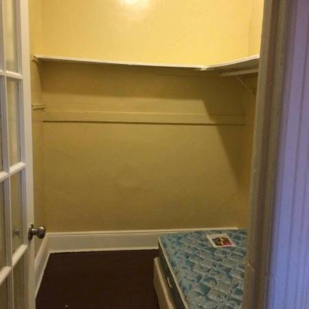 Creepy: $450/month walk-in closet, 'ideally for a female'