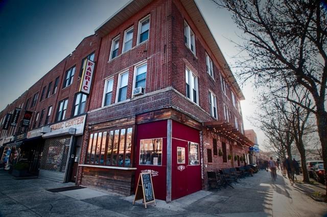 60 Beans Kitchen & Coffee. Photo credit: Stephen Pelligrino.