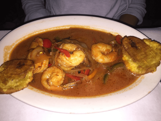 Shrimp and plantains, just like (my) mom used to make. Pascal Michel / Brokelyn