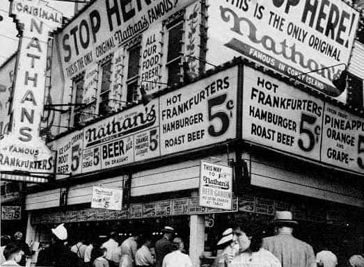 The original 5 cent Nathan's dogs attracted customers thanks to fake doctors sitting at the counter. Via Westland.net