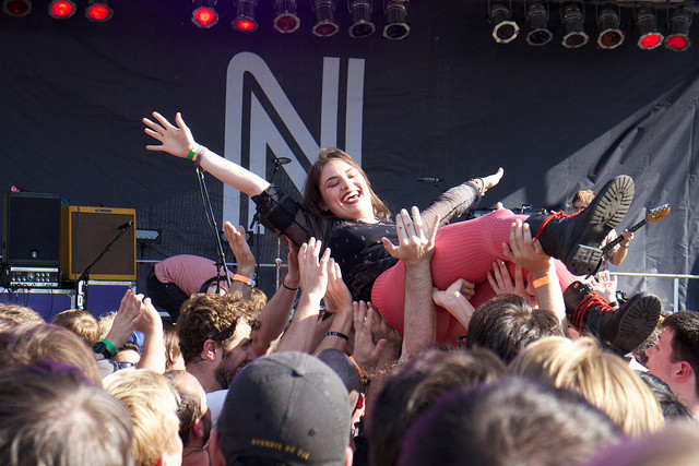 Lift your musical spirits with a bunch of free shows at Northside fest this year. Via Flickr user Juan Monroy.