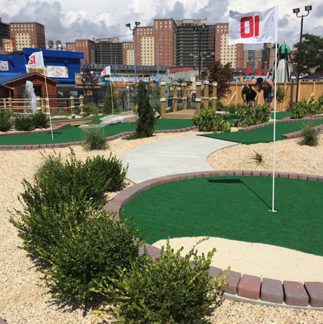 A new mini-golf course has opened in Coney Island. Photo via @anthony_0358 on Instagram.