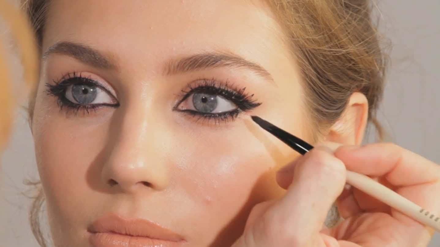 Almond eye makeup