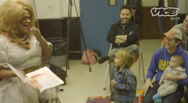 Drag queen Merrie Cherry reads to kids at the Brooklyn Public Library. Via Screenshot.