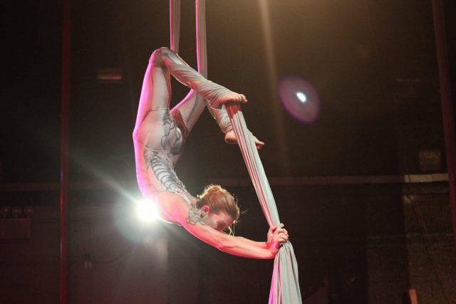 See acrobats hone their craft (#20)