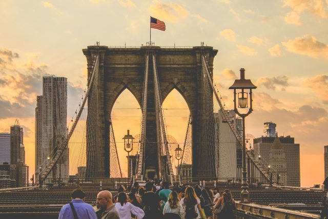 10 conversations to have on the Brooklyn Bridge