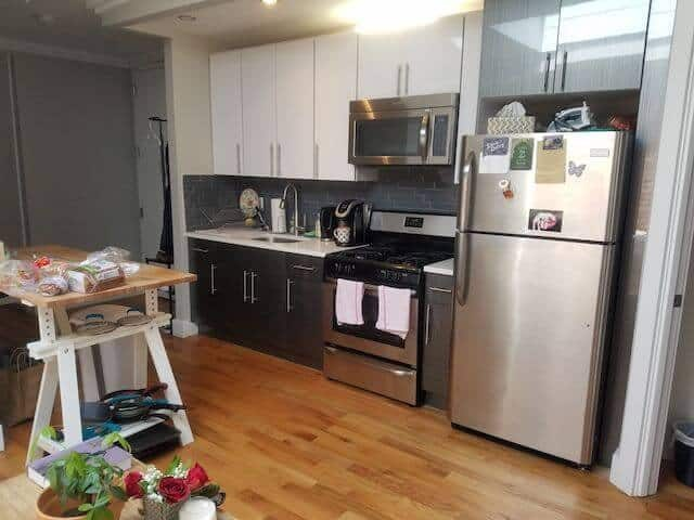 Brokerlyn: $900/month for unit with central AC and a skylight & more