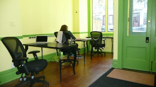 This Park Slope co-working space is offering $1 desks to local journalists